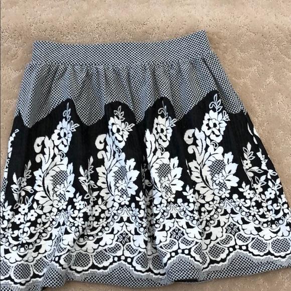 Alya Dresses & Skirts - Black and white floral skirt
